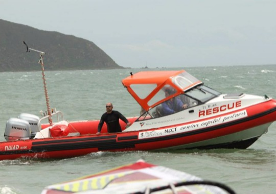 A comprehensive course covers all the basic power boating and seamanship skills required to be a safe powerboat operator.